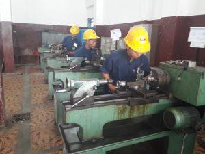 Kegiatan Praktik Mesin Bubut Di SMK BRAWIJAYA PONOROGO